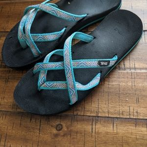 Teva Strappy Teal Sandals size 8